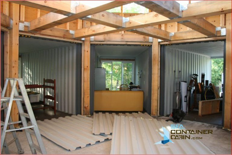 Building a Shipping Container House - Shipping Container Home Ideas #shippingcontainercabin