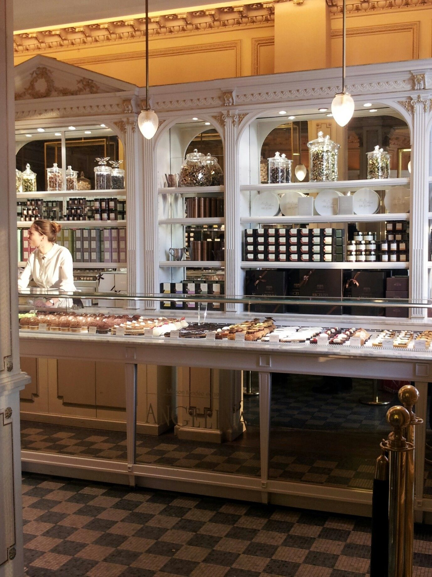 Paris angelina rue de rivoli best hot chocolate in the world like melted chocolate bars - Salon de the rue de rivoli ...