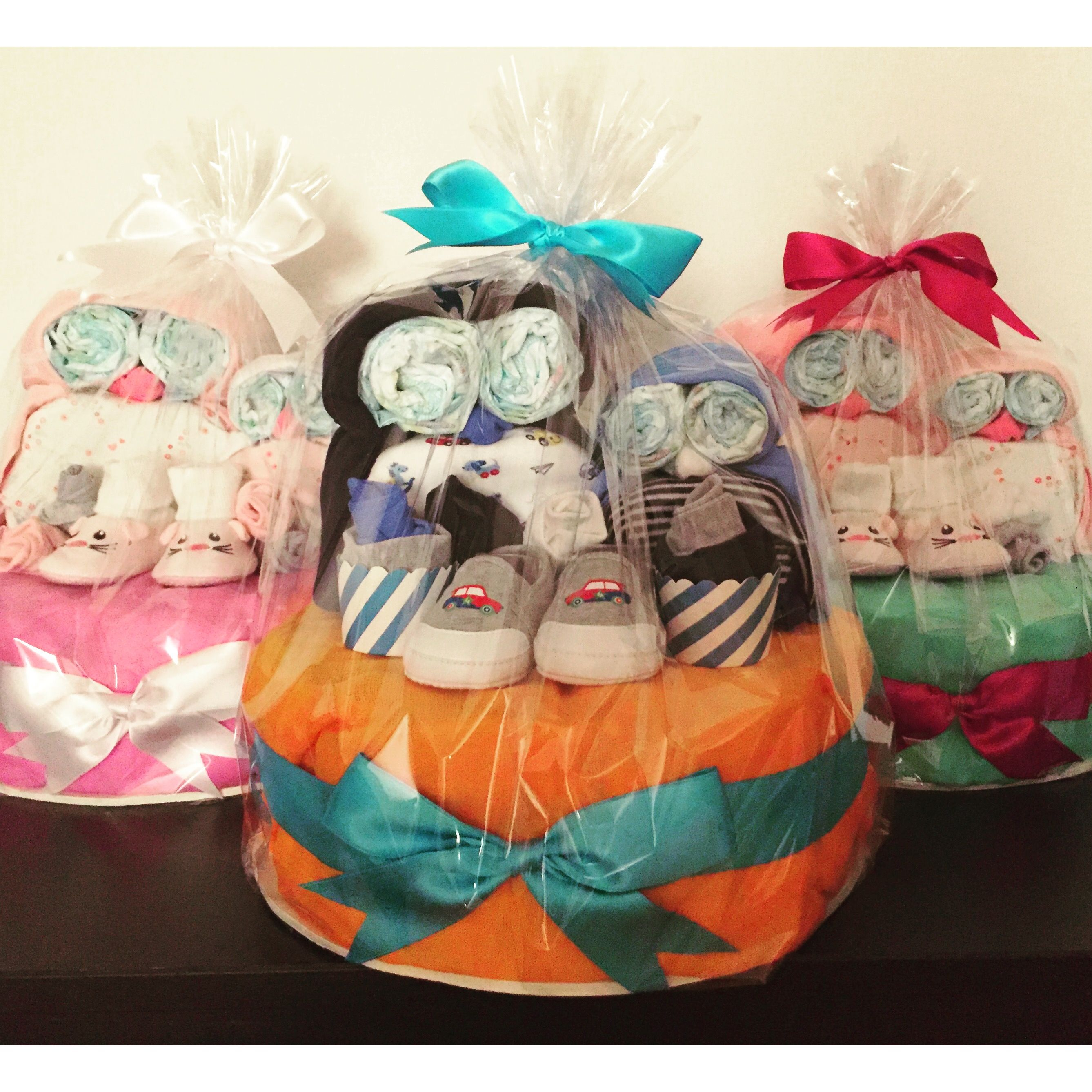 Lots of cuteness with these owl diaper cakes! Zurichgifts ...