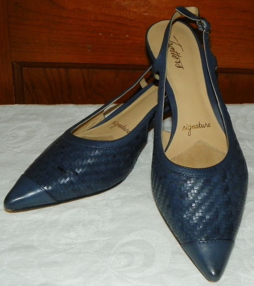 f254950e473 Trotters Signature Pointy Toe Kitten Heels Blue Slingback Sandals Sz 9N  Leather  Trotters  Slingbacks