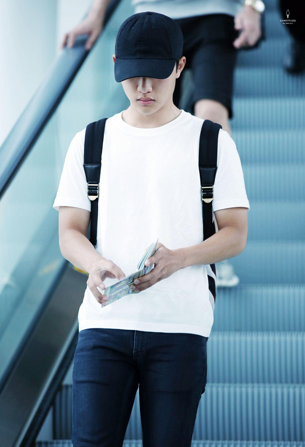 Incheon Airport to Hong Kong 150816 : D.O.