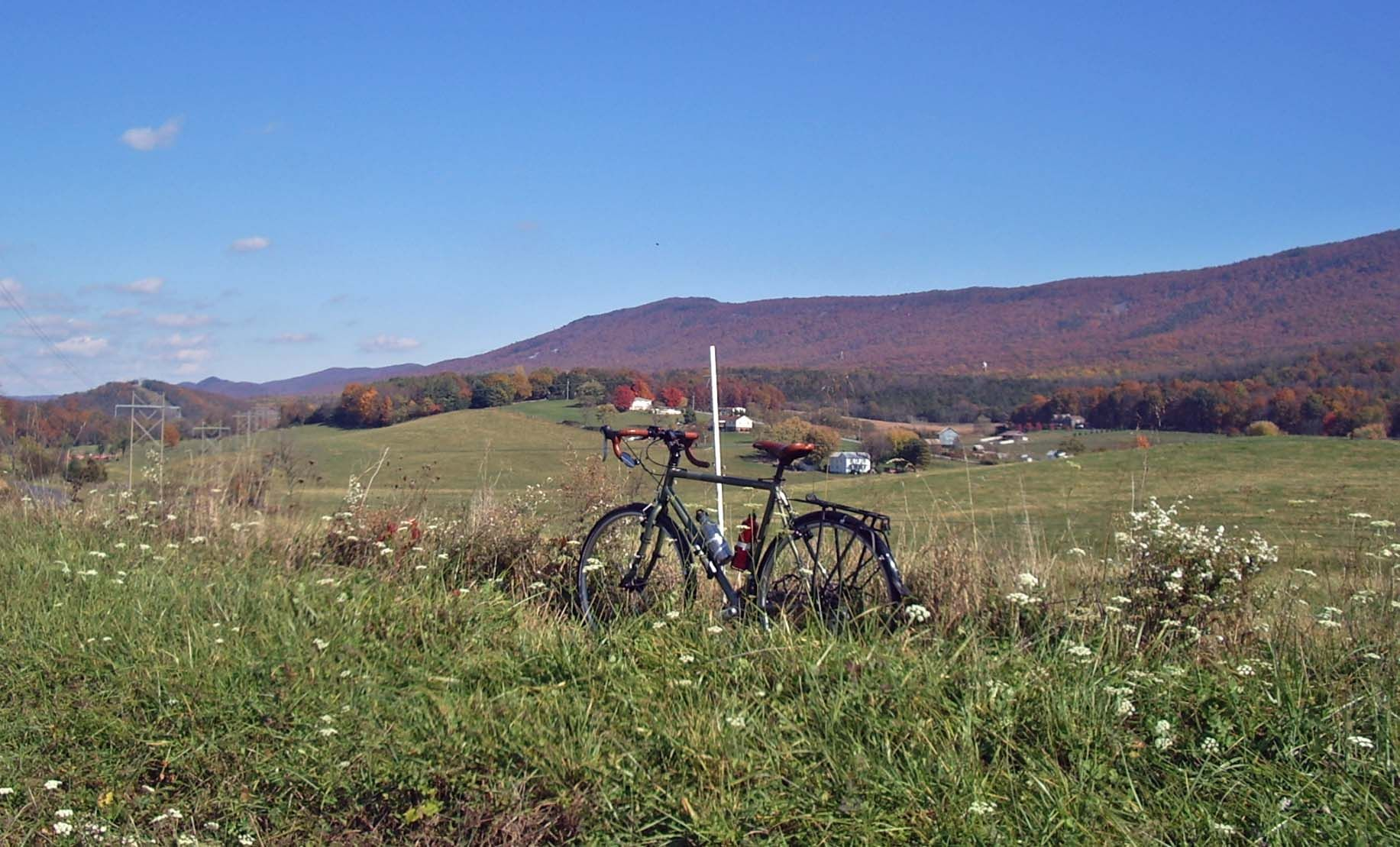 Weekend quiet rides along the south Massanutten Mt. range in Virginia. These old mountains slowly teach me about the way it is.