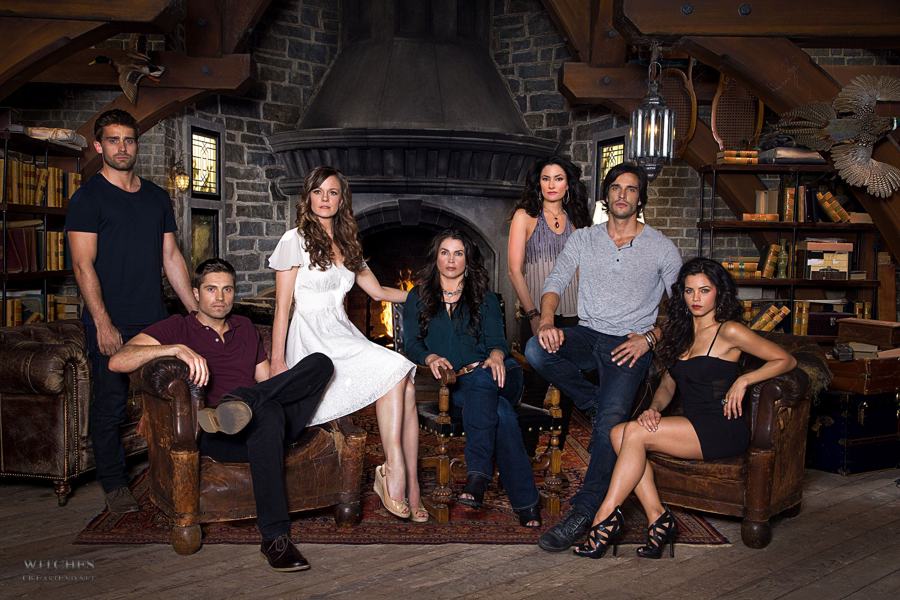 Witches Of East End Season 2 Cast I Love This Series Serie Fantastique Emission Tv Film