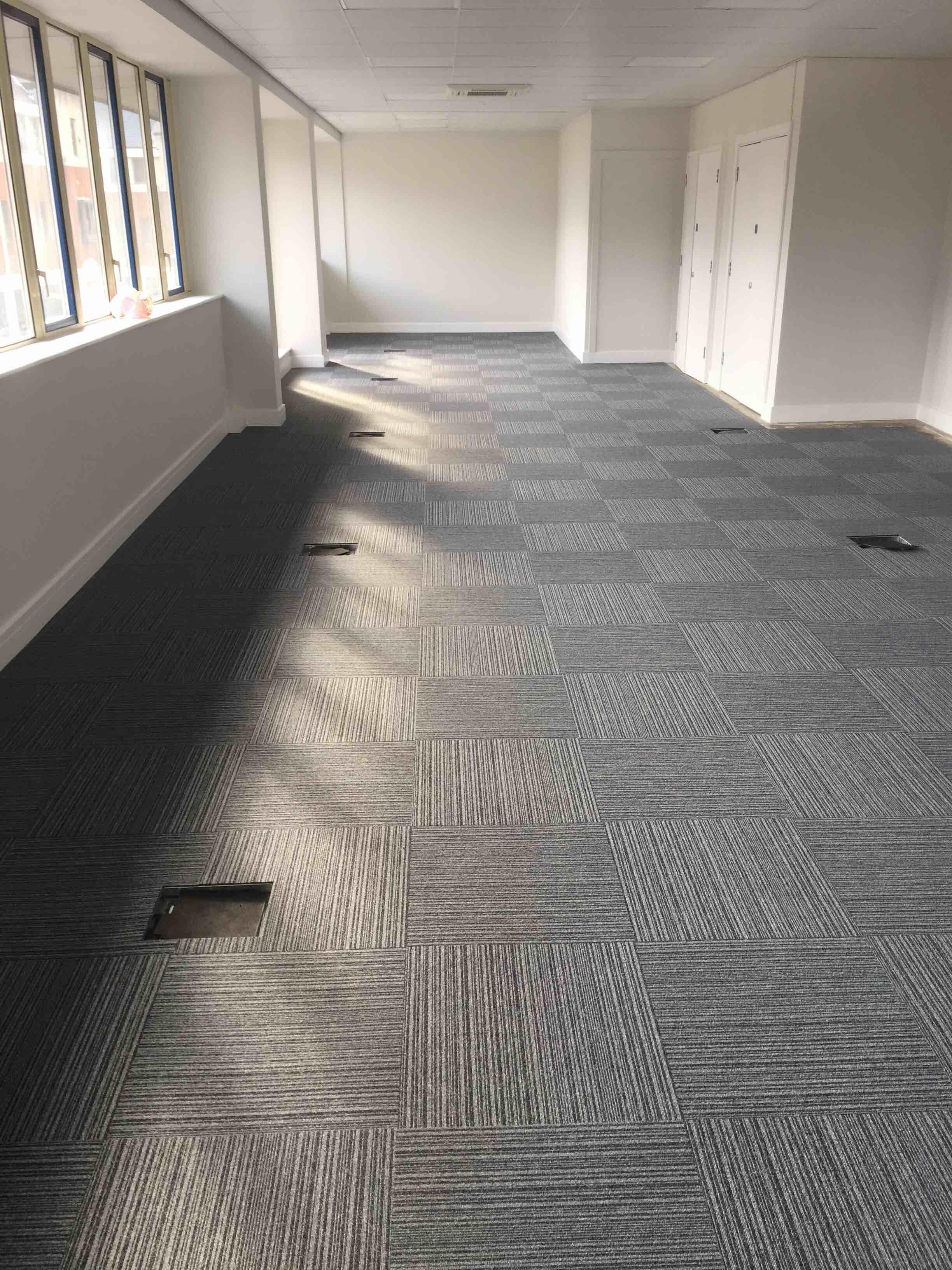Flooring Dark Grey Color Tessalated Pattern Of Carpet Tiles Create More Interesting Floor Layouts Flooring D Carpet Tiles Stair Runner Carpet Carpet Colors