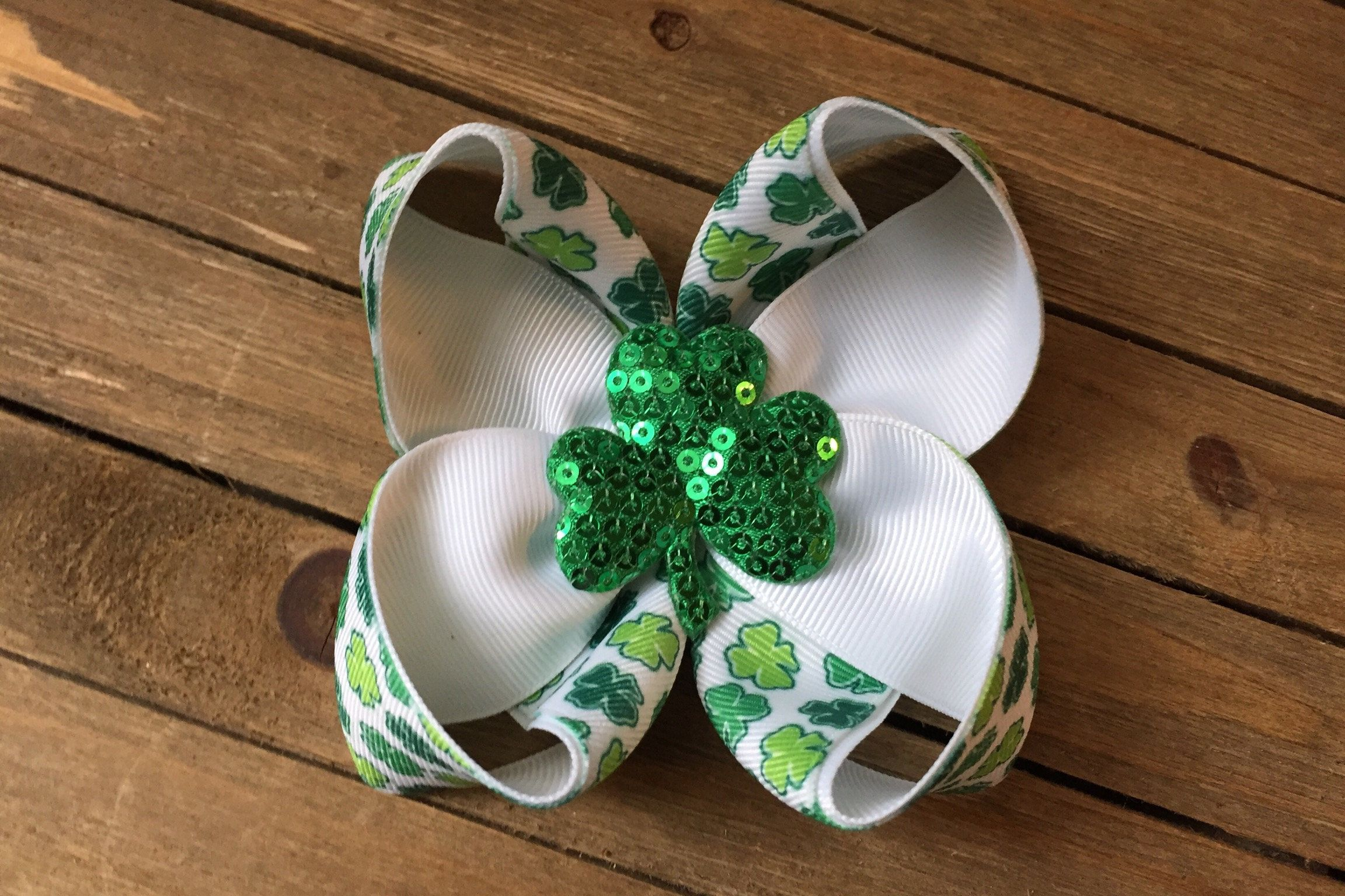 """St. Patrick's Day Green and White Hair Bow , Sequins Clover Shamrock Hair Bow , St. Patty's Day , 4H Clover Hair Bow , 4"""" Boutique Bow"""