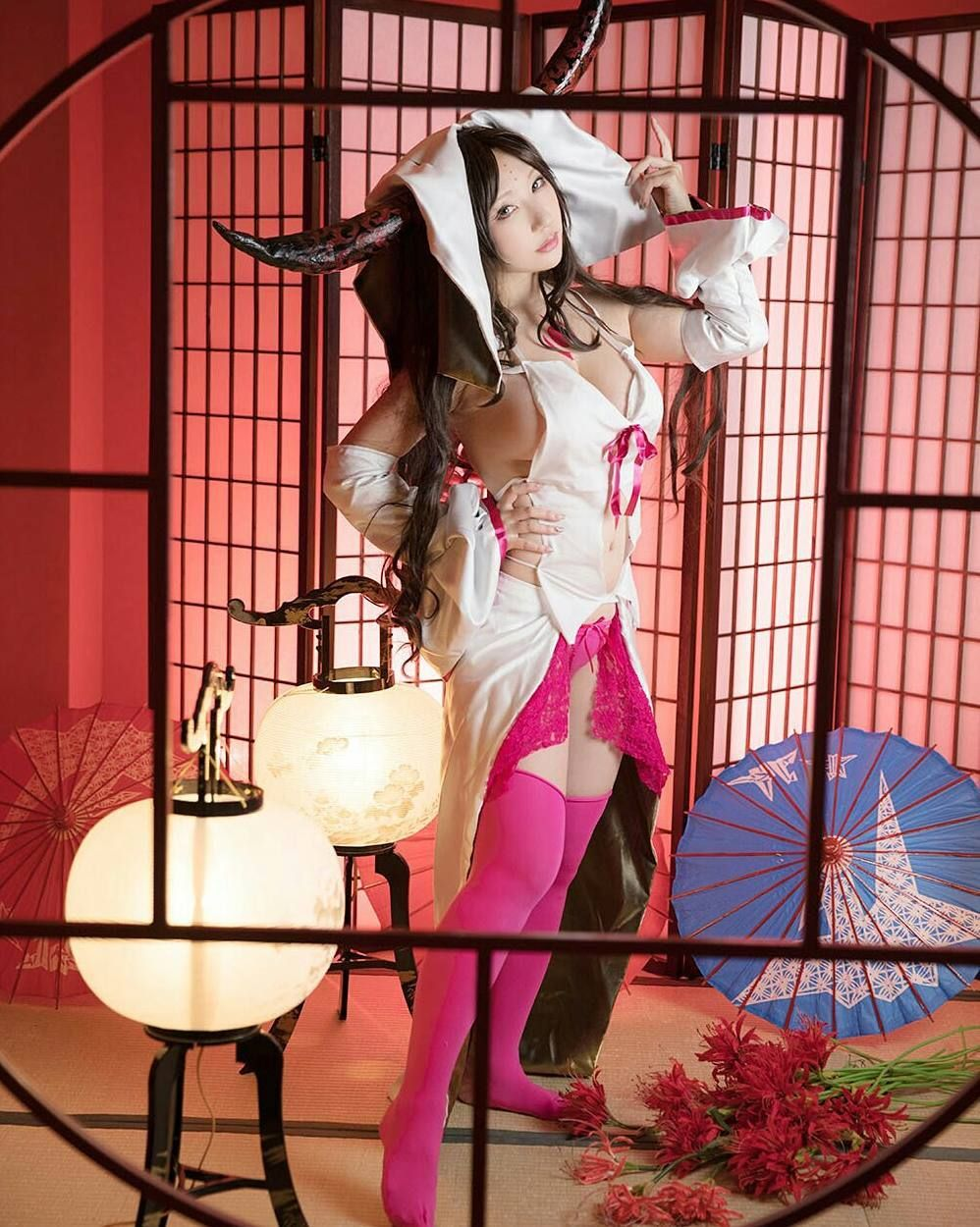 bbc43ec363  fategrandorder  fgo  servant  fateseries  photoshoot  indoor  sexy   sexycosplay  cleavage  oppai  boobs  thigh  horn  stockings  sakuayaka   sakucosplayer ...
