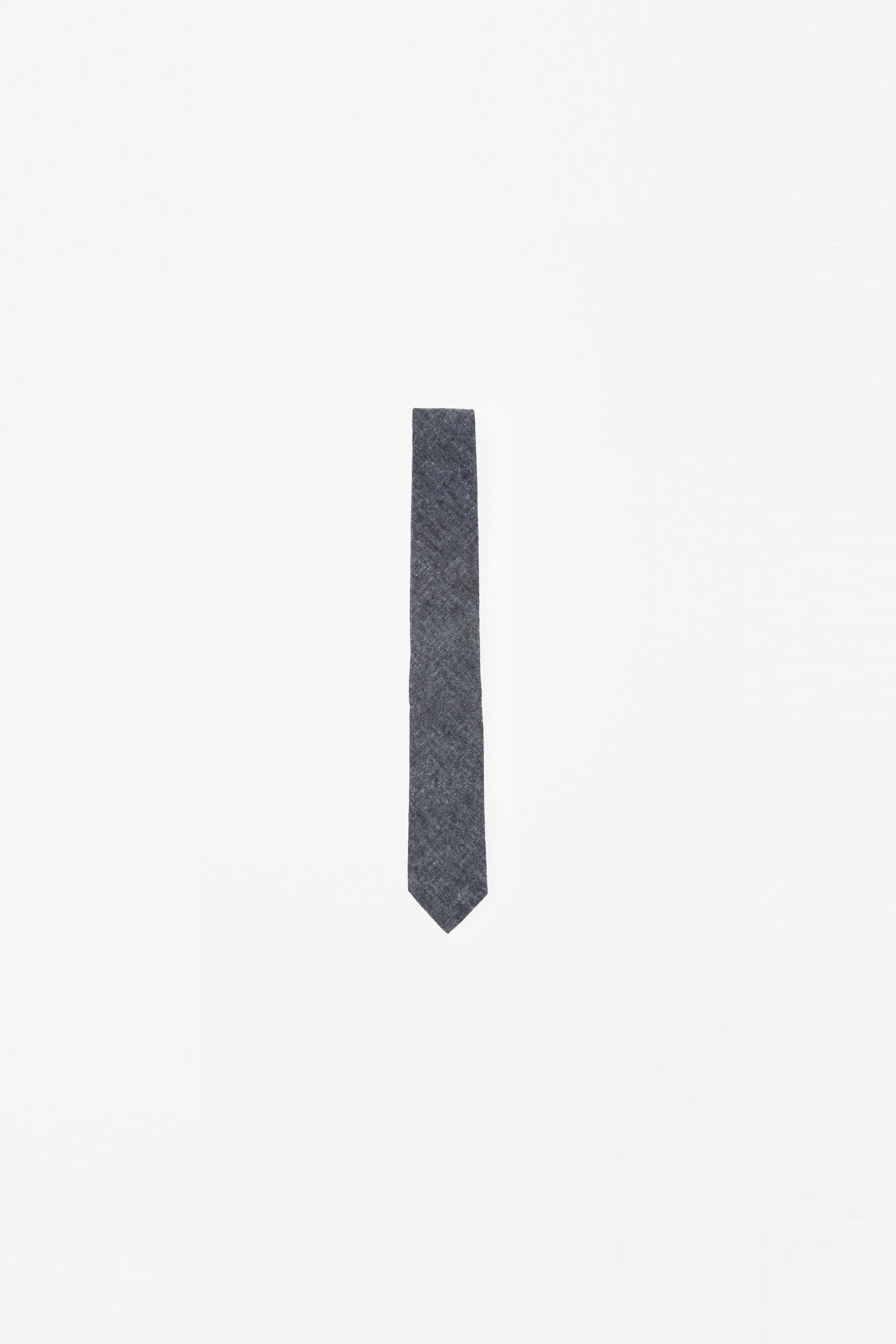 COS   Brushed flannel tie