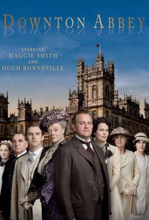 يتحدث المسلسل عن عائلة كراولي الأرستقراطية التي عاشت في عهد الملك جورج الخامس بدايات القرن العشري Downton Abbey Season 1 Downton Abbey Downton Abbey Series