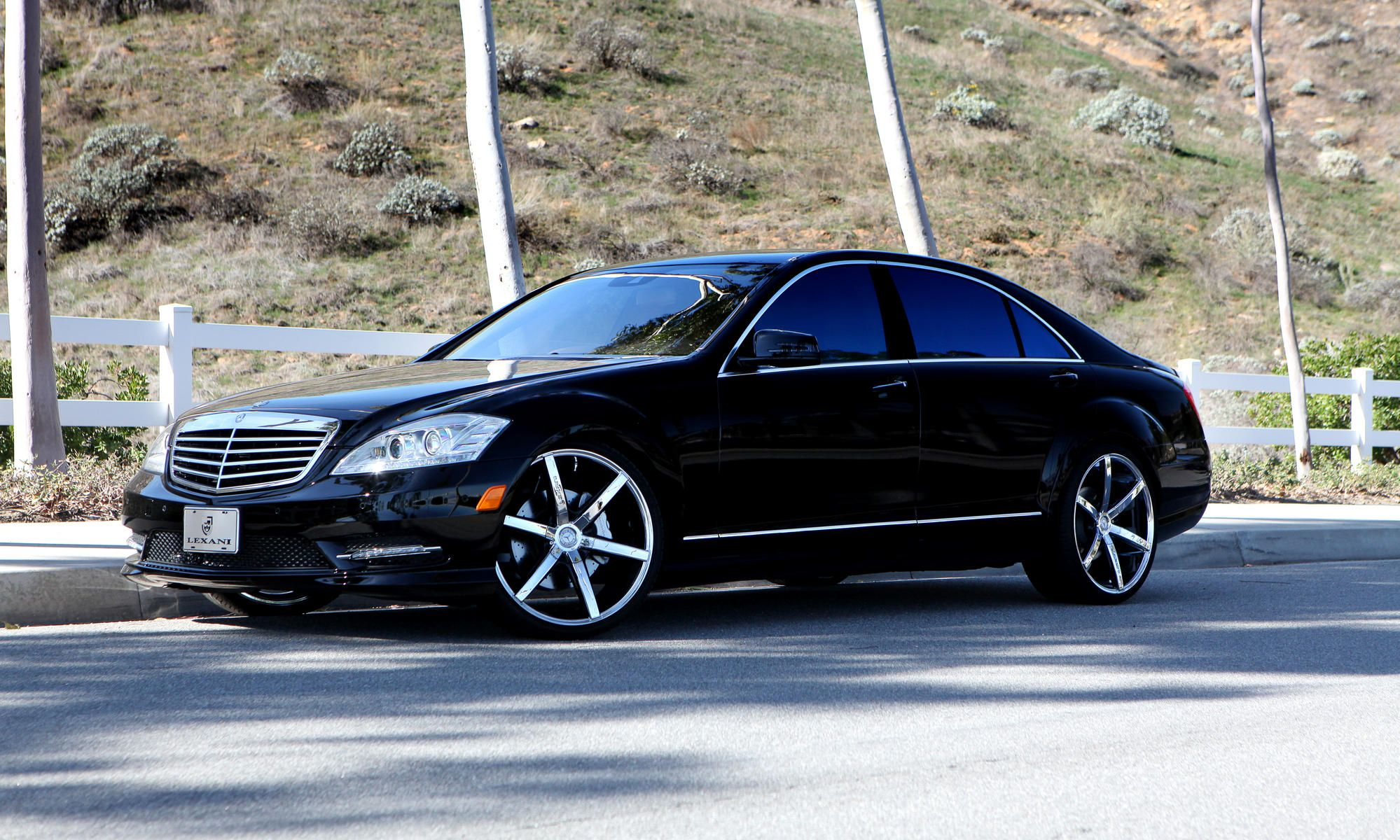 Lexani luxury wheels vehicle gallery 2012 mercedes for Mercedes benz ss 550