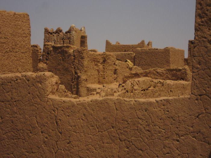 Adobes y tierras. Terrachidia, Marruecos.