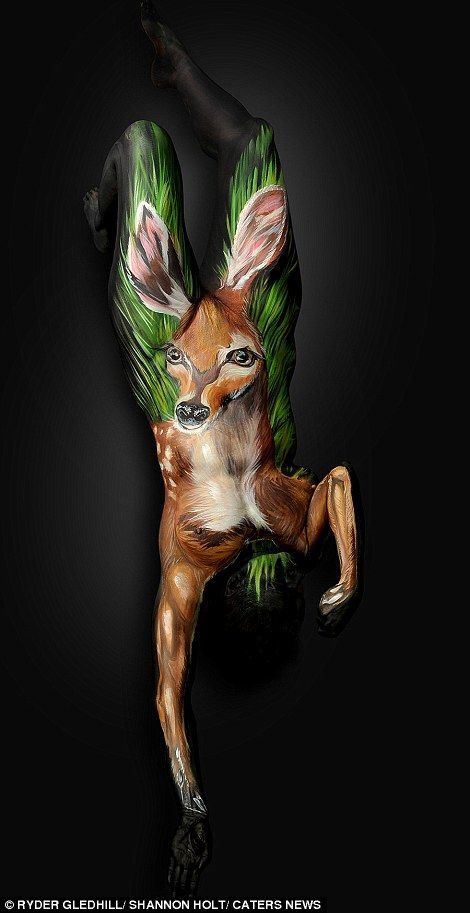 Artist Creates Incredibly Realistic Body Art That Looks Like Animals Body Painting Body Art Painting Animal Paintings