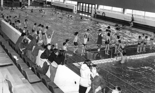 Dundee leisure centre hey days memories dundee - Dundee swimming pool opening times ...