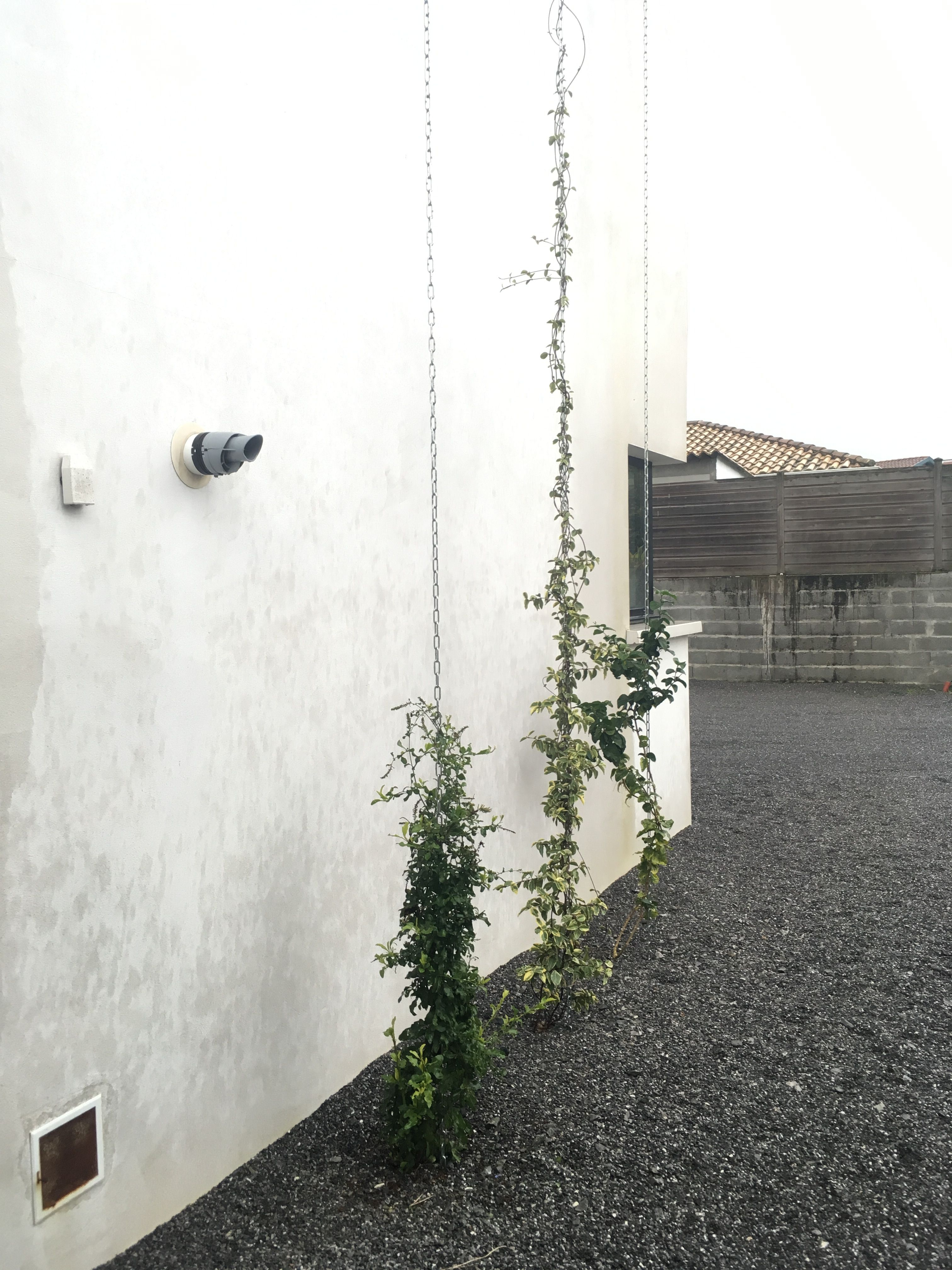 Pour Faire Une Séparation Entre Lentrée Du Garage Et La Fenêtre De - Faire une entree de garage