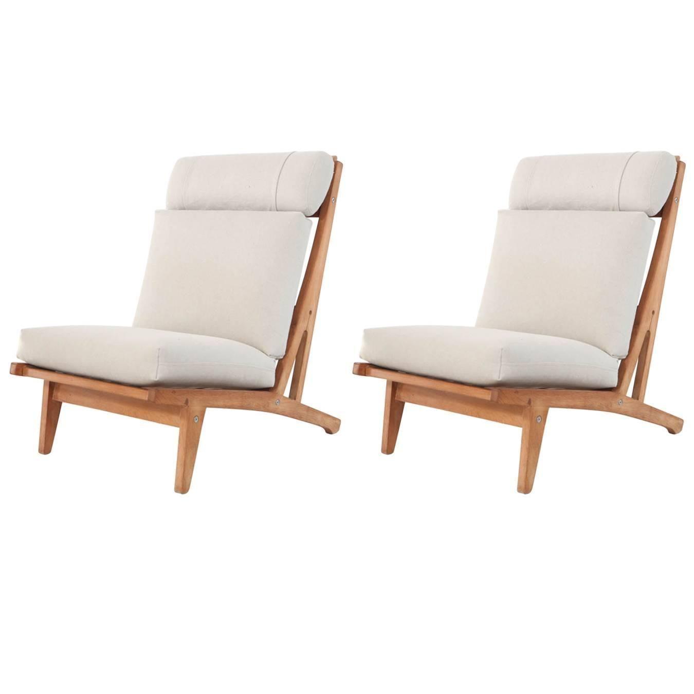 Elegant Pair Of Hans Wegner GE375 Oak Armless Lounge Chairs