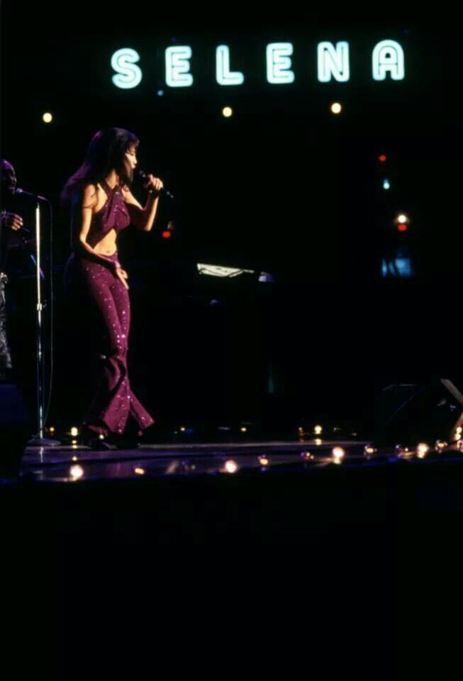 Selena The Last Concert Scene another amazing outfit ...