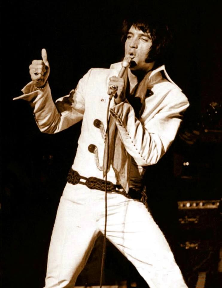 Well, I've never been to England But I kind of like the Beatles So I headed for Las Vegas #ElvisHistory #Elvis