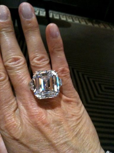 Pin By Dolly Hartner On My Life Fashion Shopping Luxury Travel Dining Diamond Diamond Jewelry Fabulous Jewelry