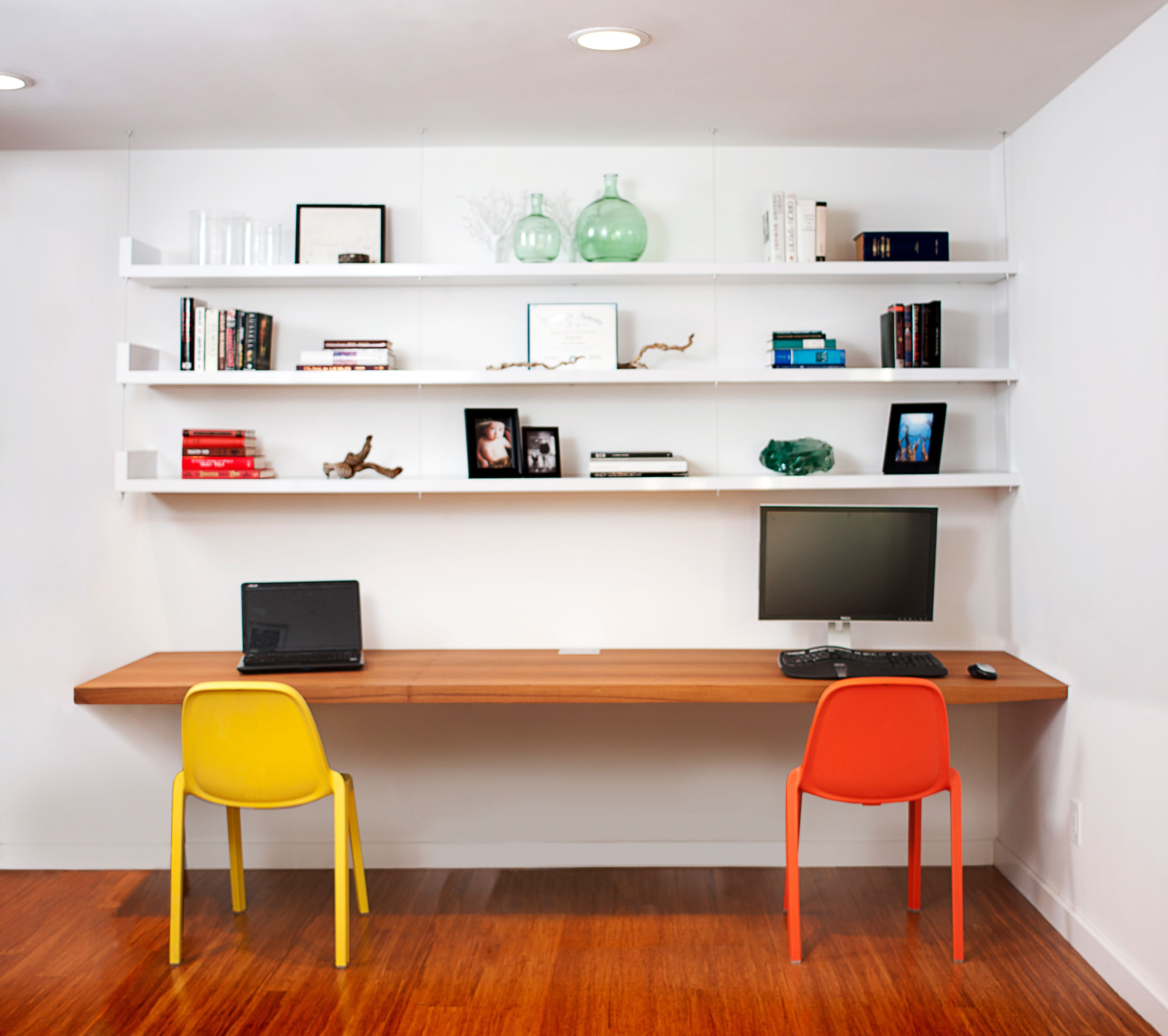 Need the perfect office space in your home? With a floating desk ...