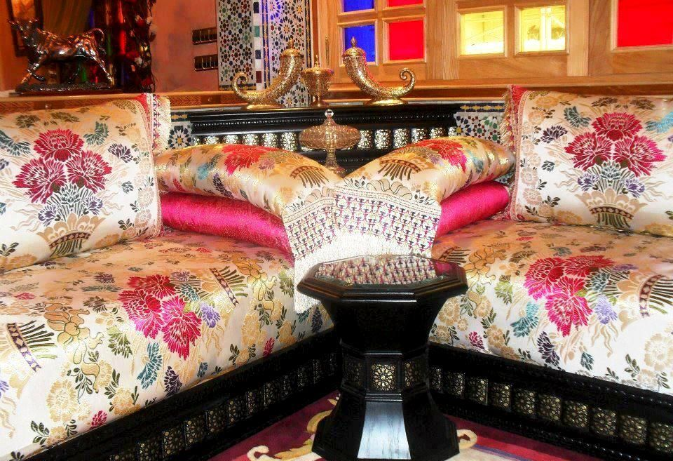 les 25 meilleures id es de la cat gorie salon marocain. Black Bedroom Furniture Sets. Home Design Ideas