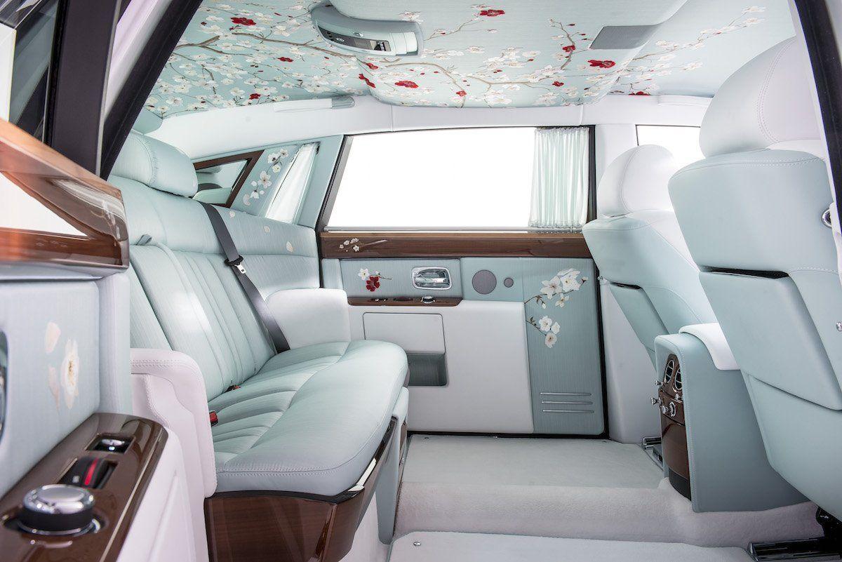 The 7 Most Luxurious Car Interiors In The World Rolls Royce Interior Rolls Royce Phantom Rolls Royce