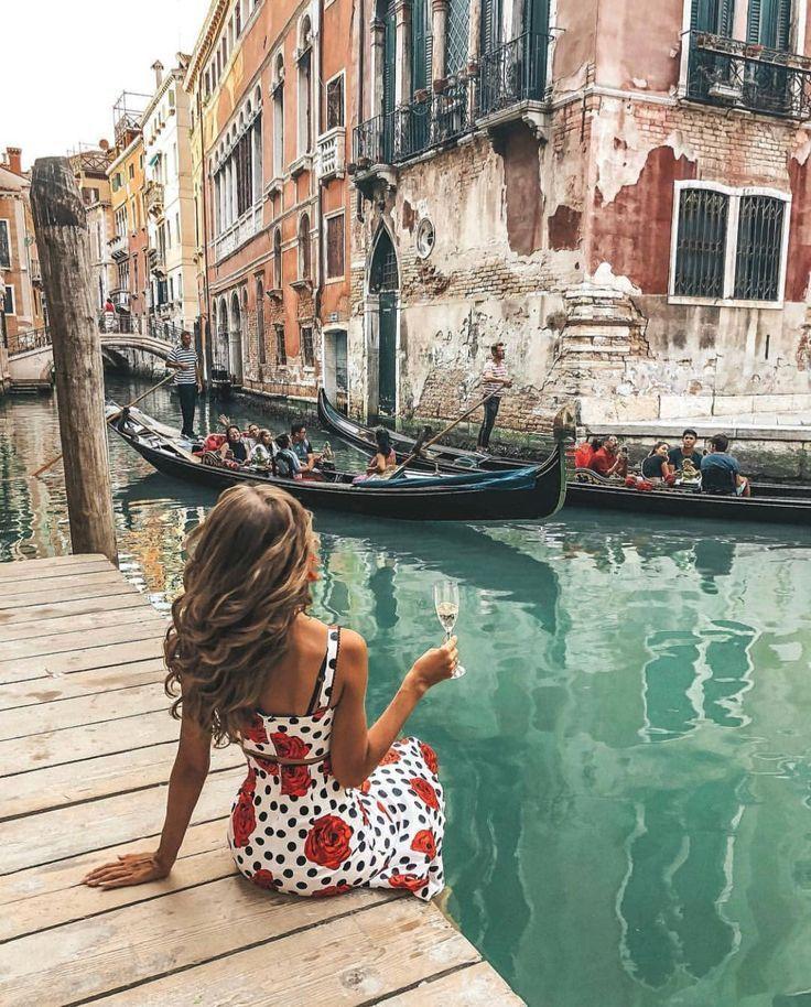 """Photo of Paula Boira Nacher on Instagram: """"Postcards from Italy part. II 🖤🔐🌍 Credo che non mi manca l'Italia 😭 Il tuo cuore rimane sempre nei luoghi che ti hanno fatto sentire 🔥 . .…"""""""
