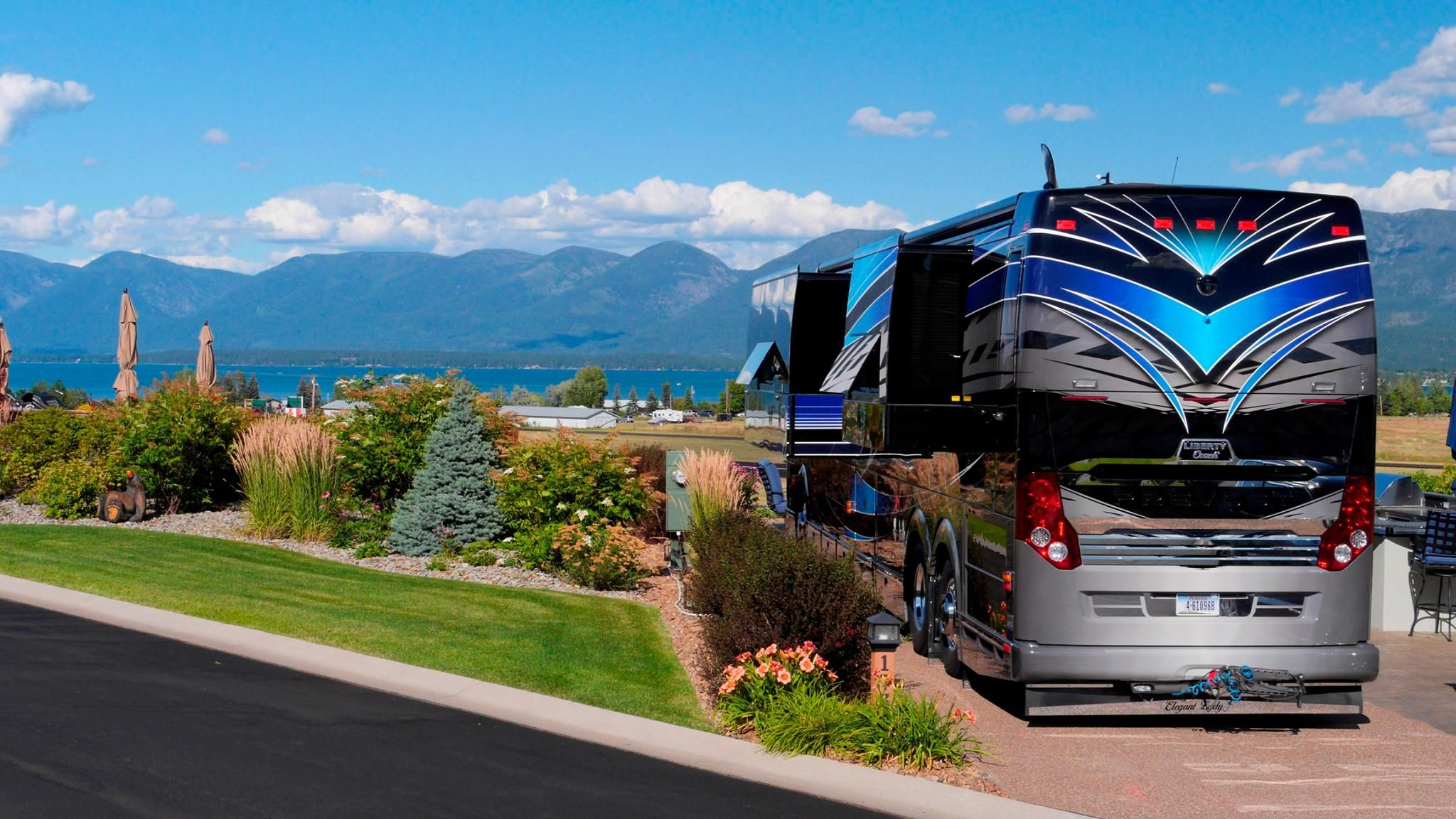 between glacier national park flathead lake yellowstone and the many small towns across montana there a rv parks and campgrounds rv parks luxury rv resorts pinterest