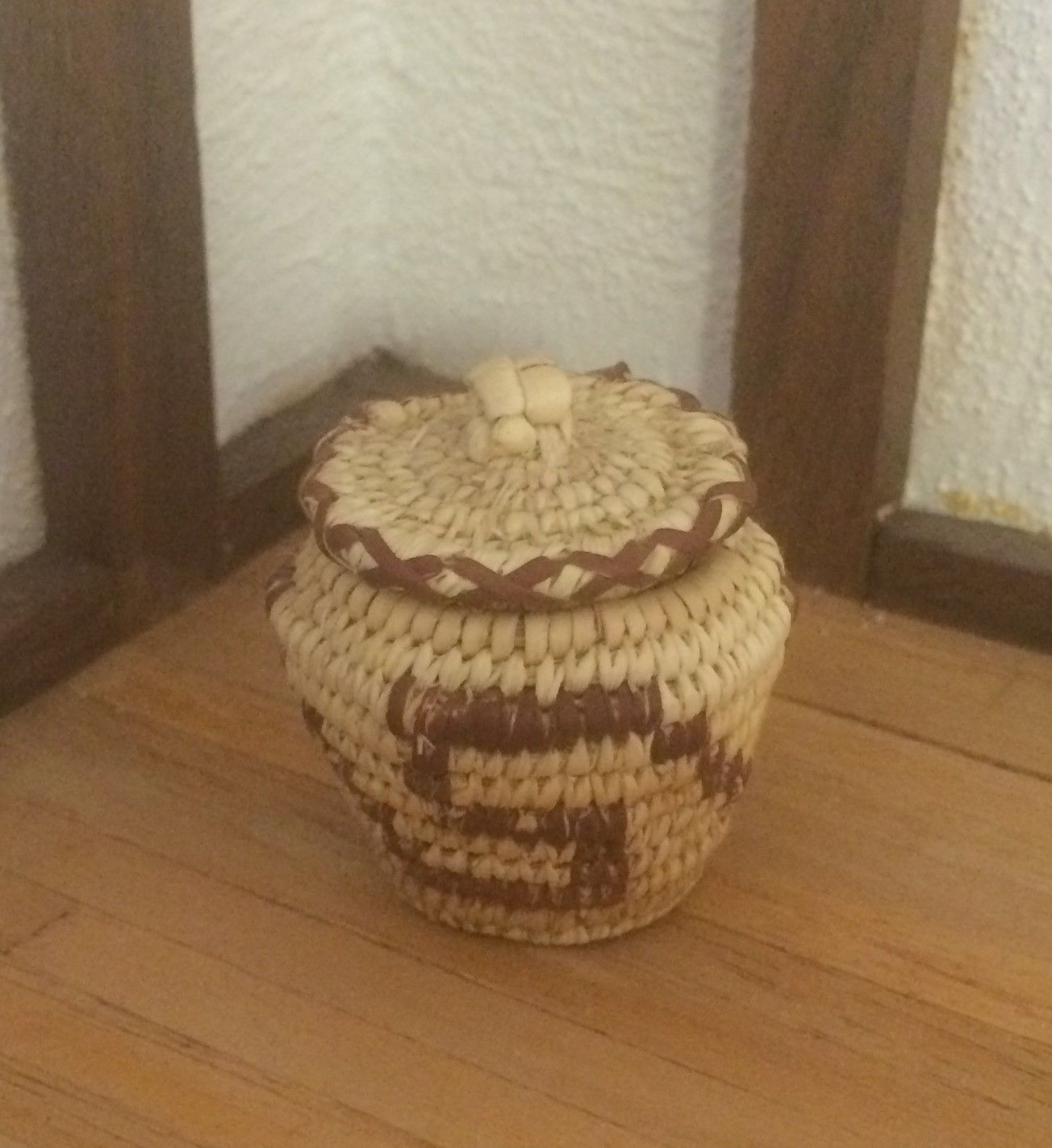 Woven Basket Pinterest : Dollhouse miniature mary thomas signed woven wicker basket