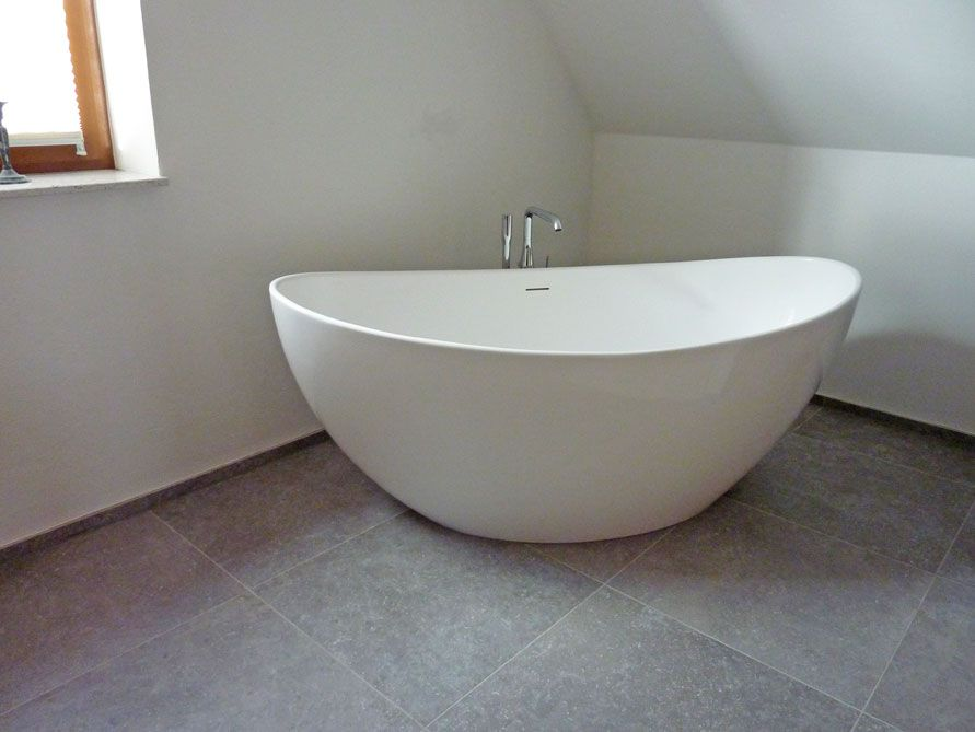 Freistehende Badewanne Como aus Mineralguss - Weiß matt oder glänzend