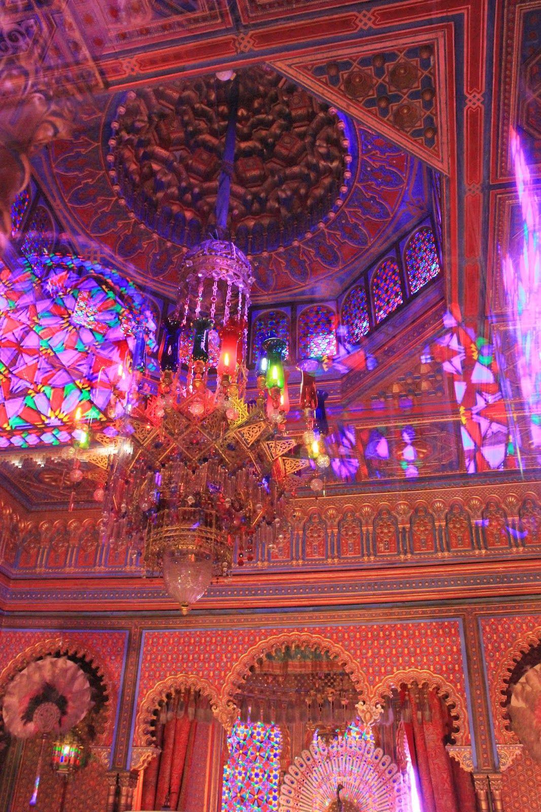 Fairytale Linderhof Palace With It S Moorish Kiosk Purchased By King Ludwig Ii Of Bavaria Moorish Architecture Inside Castles Beautiful Architecture