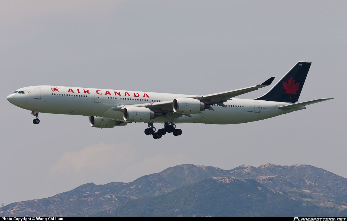 C gkol air canada airbus a340 541 avions h licopt res for Interieur avion air canada