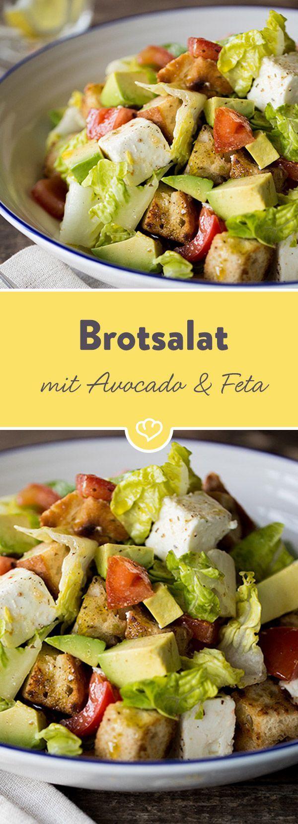 Hearty bread salad with avocado, feta and tomatoes  - Avocado - Superfood-Rezepte -