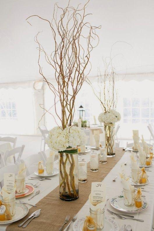 Centros florales de boda con ramas secas y hortensias for Decoracion con ramas secas