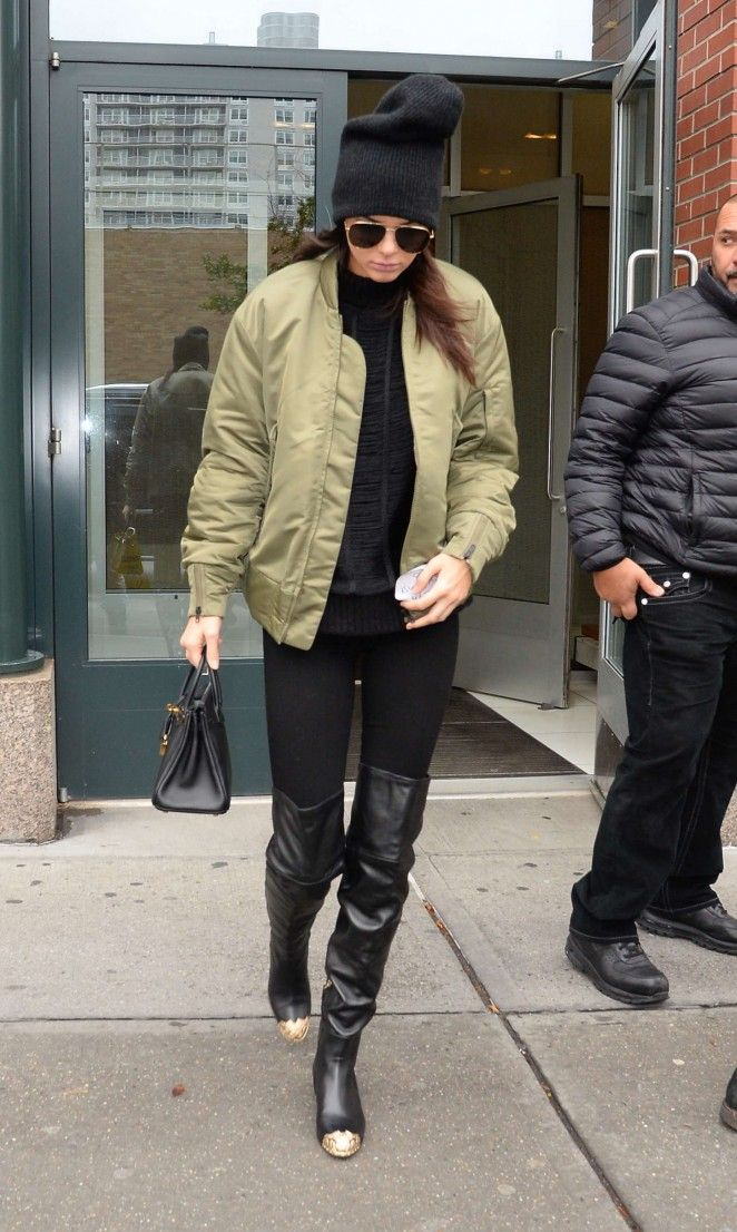 Kendall-Jenner-in-Tights-nyc
