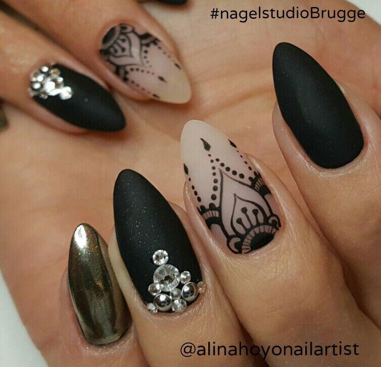 Negro Y Blanco Diseñado Uñas Uñas Acentuadas Uñas