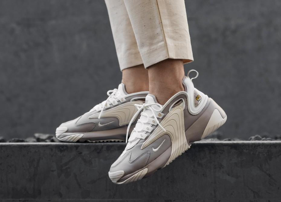 Nike Wmns Zoom 2K (Moon Particle