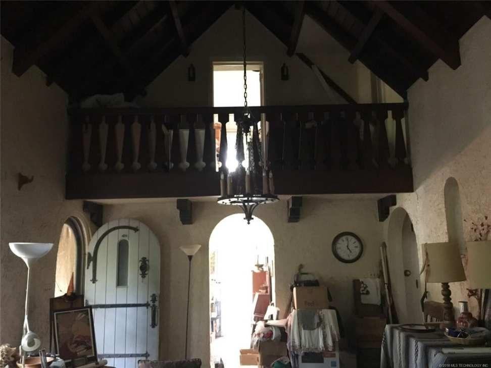 1923 Tudor Revival Tulsa, OK English interior, Old house