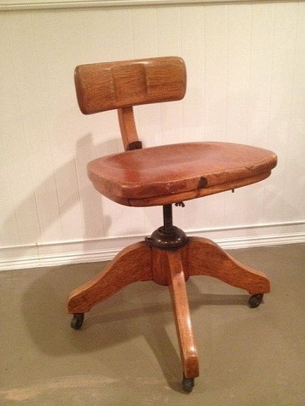 Beautiful Vintage Murphy Office Desk Bankers Chair You