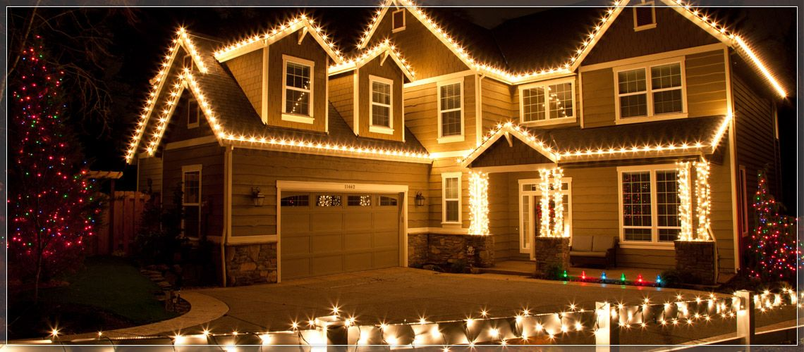 Outline The Roof With Clear C9 Christmas Lights And Secure Using Light Clips Complete Look By Wring Mini Around Columns Railings