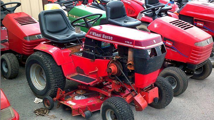 Toro Wheel Horse Model 416-8 Garden Tractor (Pristows - Tire
