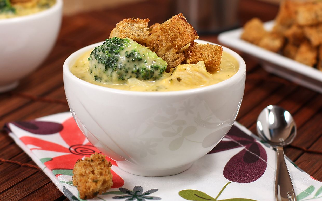 Broccoli Cheddar Soup With Chicken and Rice