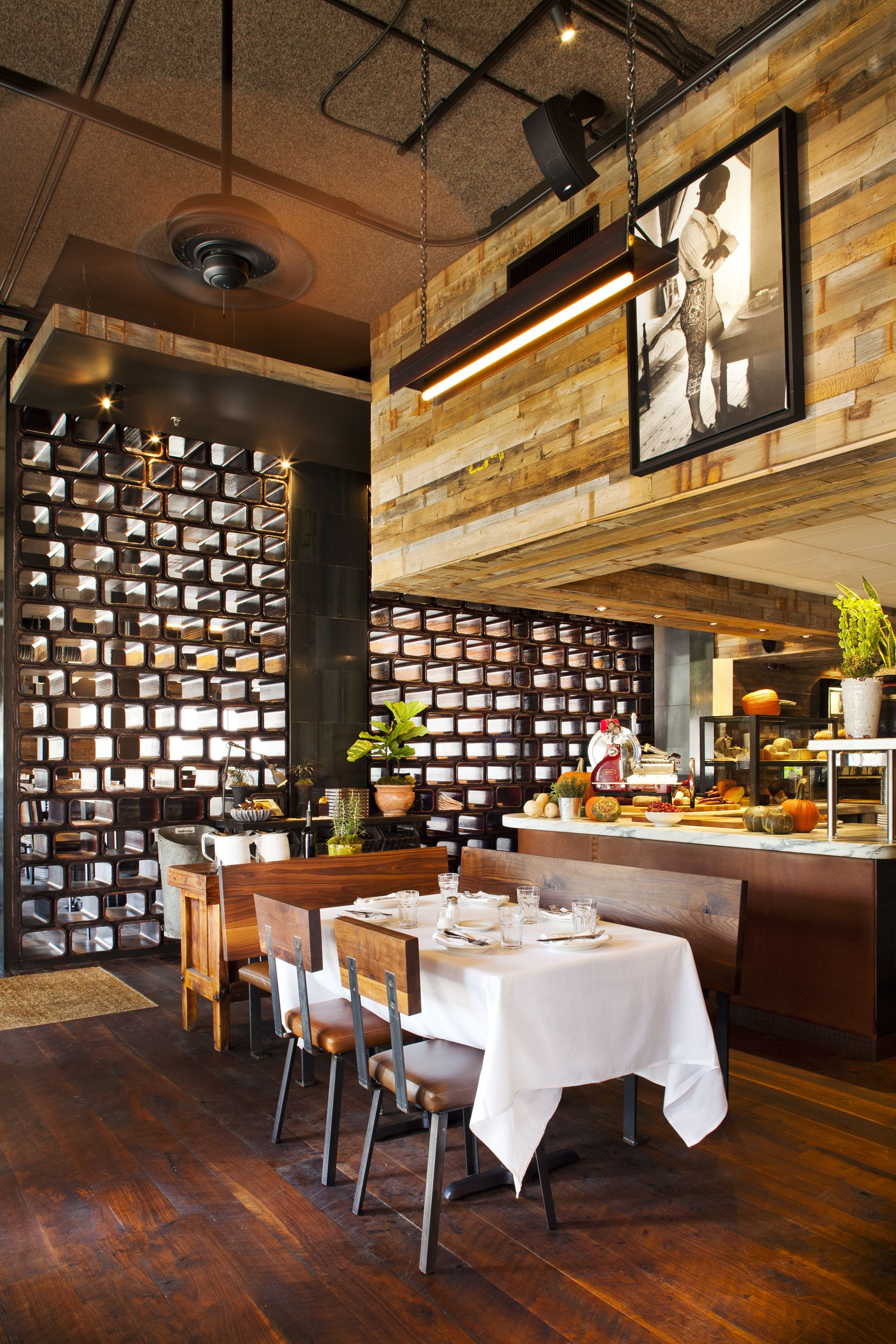 Barcelona Atlanta Wine Bar Restaurant Barcelona Wine Bar Wine Bar Restaurant Restaurant Design