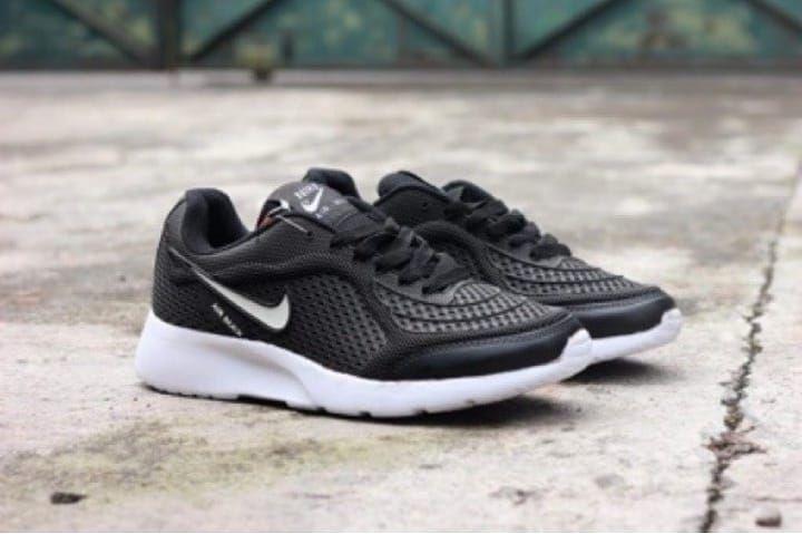Contoh Sepatu Adidas Terbaru Di 2020 Sepatu Adidas Sepatu Adidas