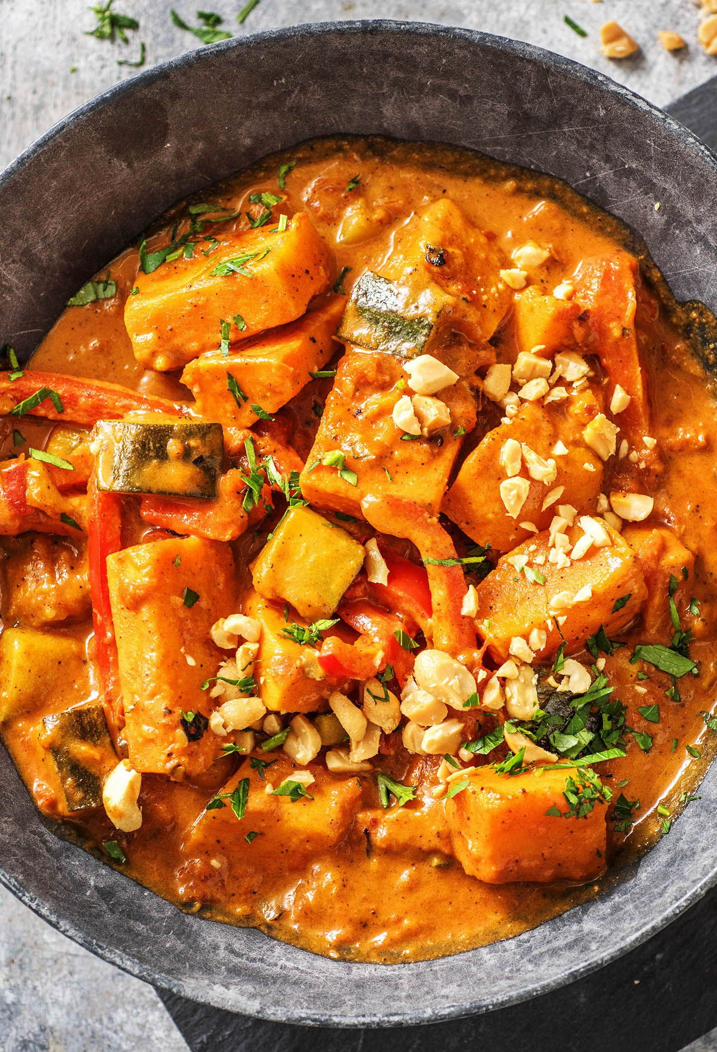 Indisches Süßkartoffel-Curry Rezept | HelloFresh