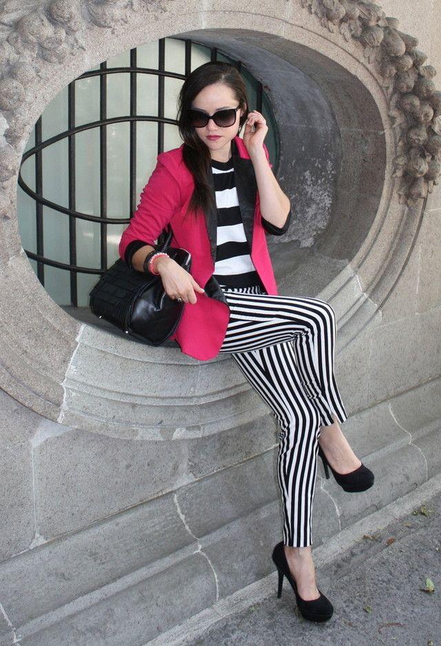 http://cdn.chicisimo.com/thumbs/files/2013/03/hm-color-blanco-sheinside-negro~look-main-single.jpg