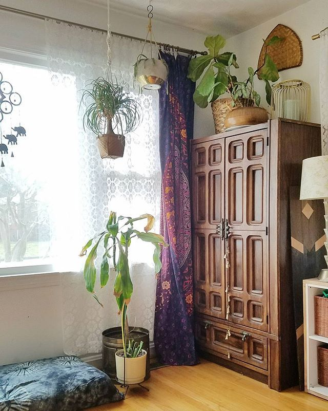 Tapestry for curtains Hanging plants Second hand
