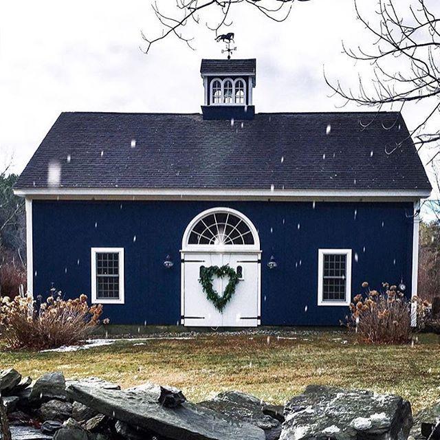 Navy Blue Barn...Yes Please! Via @sarahkjp