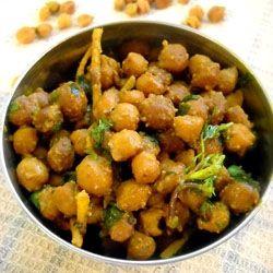 step by step recipe to make dry kala chana or black chickpeas.