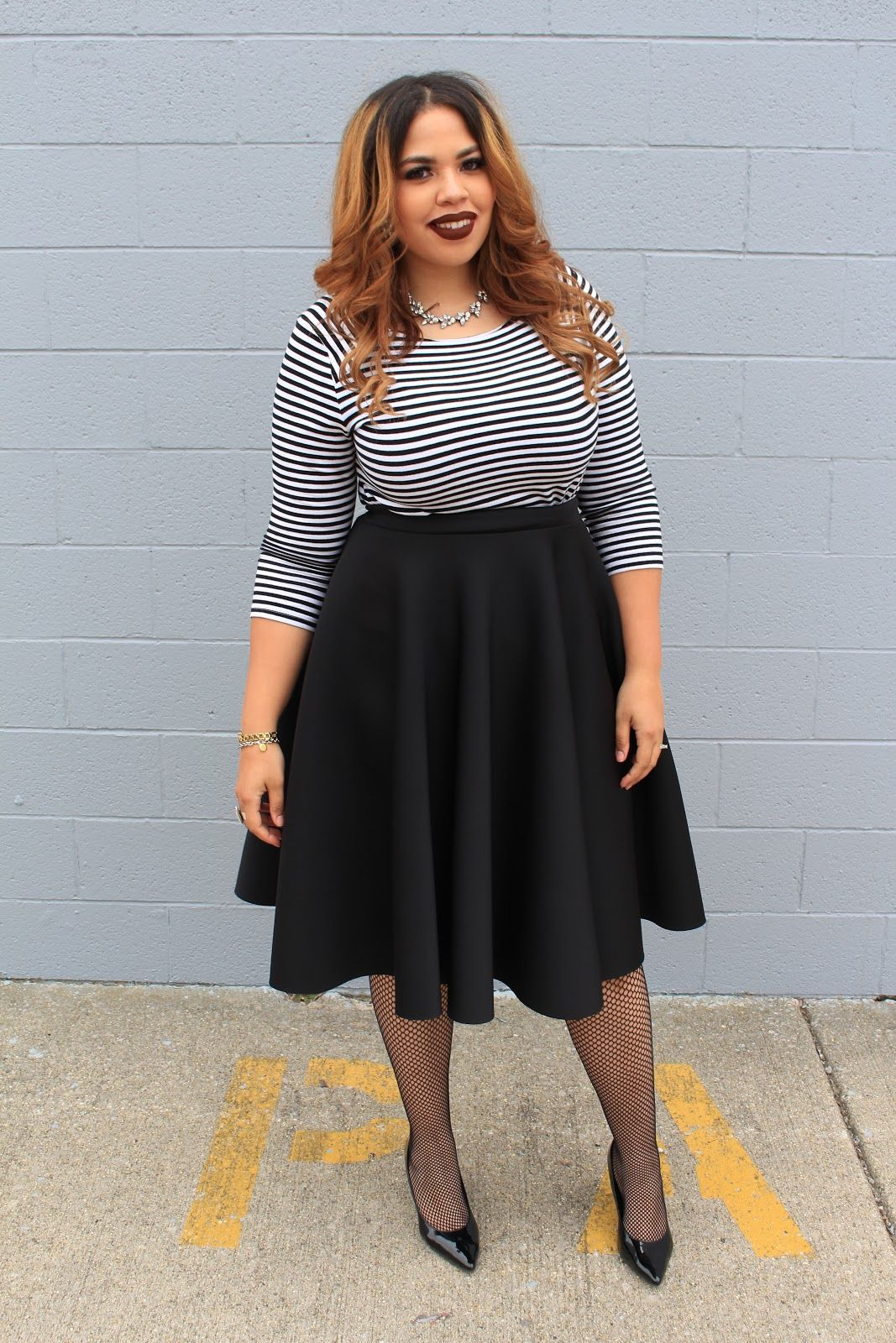 071cf162a3d Plus Size Fashion Blogger Telly Loves Fashion wearing Fashion To Figures  Circle Midi Skirt (Available in black