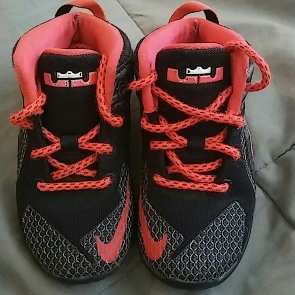 Nike Lebron 12 - little boys Black/Bright Crimson/White. Sole still have