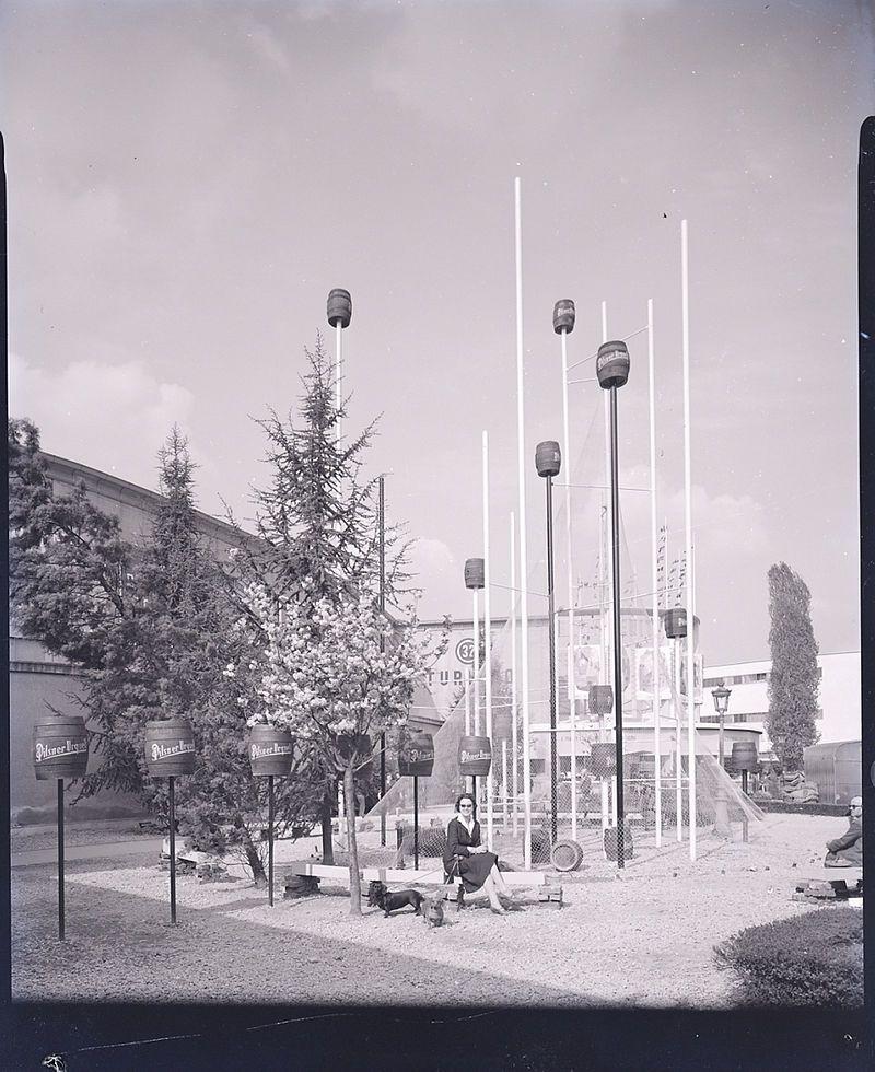 """Milano, 1956 """"Arch. Viganò"""" archivio Paolo Monti"""